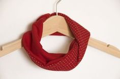 Loop - scarf and bib | red with dots