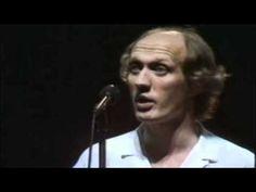 Herman Van Veen   Uitzicht op zee  (live in Carré) - YouTube