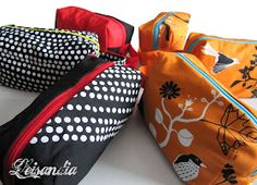 Leisandia: Meikkilaukkuja ja ohje Gym Bag, Bags, Fashion, Handbags, Moda, Fashion Styles, Fashion Illustrations, Bag, Totes