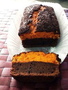 Brownie con calabaza  http://dulcesfrivolidades.wordpress.com/2014/12/09/brownie-con-queso-y-calabaza/