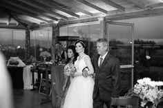 ♥♥♥  CASO REAL: O casamento DIY da Therumy e do Magnus Não tenho nem muito o que falar sobre o Caso Real de hoje. A noivinha que nos escreveu falou simplesmente TUDO o que a gente acredita. Que realizar u... http://www.casareumbarato.com.br/caso-real-o-casamento-diy-da-therumy-e-do-magnus/