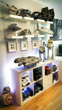 This is what I need to display my star wars stuff. This is what I need to display my star wars stuff. This is what I need to display my star wars stuff. This is what I need to display my star wars stuff. Star Wars Zimmer, Star Wars Bedroom, Boy Star Wars Room, Geek Room, Star Wars Decor, Game Room Design, Room Setup, Game Room Decor, Room Decorations