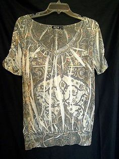 Apt 9 Banded Top Size Small Rayon Jersey feel top Floral with Inverted Pleats
