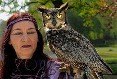 Elf Fantasy Fair Haarzuilens 2009 (the owl is real)