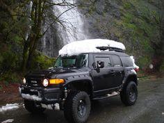 Tahoe a story of two builds (Back In Black) - Toyota FJ Cruiser Forum Toyota 4x4, Toyota Trucks, Lifted Ford Trucks, Toyota Hilux, Fj Cruiser Forum, Toyota Cruiser, Bugatti Veyron, Classic Trucks, Land Rover Defender