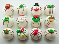 Ornament cake ball tutorial http://homemadeholidays.blogspot.ch/2010/11/ornament-cake-balls.html