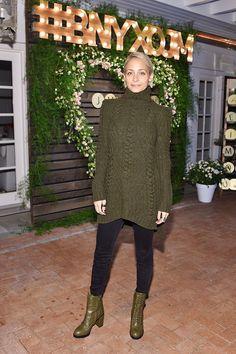 Jennifer Aniston Black Dress at Barneys Dinner | POPSUGAR Fashion