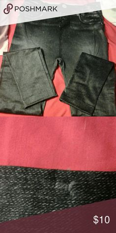 JENIE LEGGINGS BLACK Jenie Leggings , color is black size Large -Xlarge. Looks as if a small string has been pulled never put these on. Even new. Jenie Pants Leggings