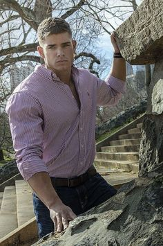 Inspiration for MUSCULAR men fashion Click here: Ask a stylist http://etre-mis-a-jour.myshopify.com/collections/find-a-fashion-stylist