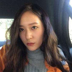 KRYSTAL (@vousmevoyez) • Instagram photos and videos Jessica & Krystal, Krystal Jung, Jessica Jung, Krystal Instagram, Beautiful Soul, Snsd, Turtlenecks, Kpop Girls, Role Models