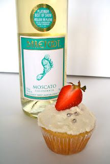 Moscato Cupcakes WHAT?! DEF making these!!