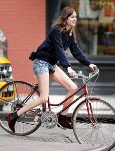 (via Show Me a Bike: Shorts!)