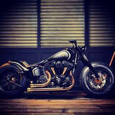 Bobber Inspiration   Harley-Davidson Softail Slim bobber   Bobbers and Custom Motorcycles