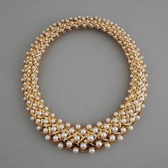 CHANEL PARIS GOLD AND PEARL NECKLACE COUNTRY France MADE circa 1979