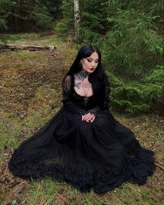 Gothic Makeup, Gothic Beauty, Goth Aesthetic, Aesthetic Clothes, Goth Club, Gothic Looks, Gothabilly, Goth Women, Androgynous Fashion