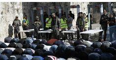 A Jérusalem, les fidèles musulmans refusent les détecteurs de métaux Israél... #Art #Artiste