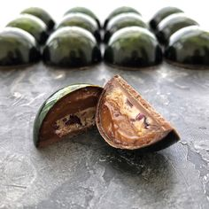 Chocolate Bonbon, Chocolate World, Chocolate Pastry, How To Make Chocolate, Homemade Chocolate, Mini Desserts, Mini Dessert Cups, Dessert Recipes, Blog Patisserie