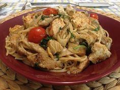 Ζυμαρικά με φιλετάκια κοτόπουλου και πλευρώτους Cookbook Recipes, Cooking Recipes, Pasta Dishes, Delicious Food, Spaghetti, Food And Drink, Chicken, Meat, Cooker Recipes