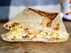 Copycat Taco Bell Bacon AM Crunchwrap // it has promise, but it's all in the sauce!