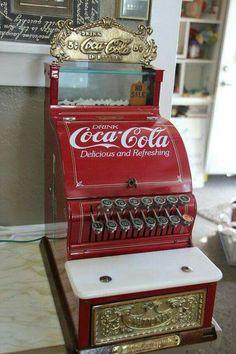 Gorgeous Heavy Real Vintage Coca Cola Cash Register by OldBeaverAntiques Coca Cola Vintage, Coca Cola Ad, Always Coca Cola, World Of Coca Cola, Coke Machine, Vending Machine, Coca Cola Decor, Coca Cola Kitchen, Deco Retro