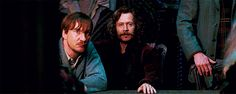 siriusly-remusx: I'LL SAY IT ONCE AND I'LL SAY IT AGAIN. THERE IS NO WAY HIS ARM ISN'T AROUND REMUS.