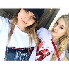 Dzień Dobry!!! Z takimi dziewczynami w towarzystwie miło rozpoczyna się dzień #MTandMMxInstaGirls Białe bluzy dostępne na www.mtandmm.com...#sporty #białabluza #millertulipanandmatteomilano #konraddobrzyński #marcinmiller #fashion #moda #sexi #blondie #mtandmm #ootd #hot #morning #instagirl #summervibes #wakacje #photooftheday #instagood #goodtime #modelka #womanfashion #instafashion #millertulipan #summer #outfit #look #style #polskamarka #model