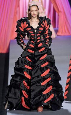 Paris Fashion Week- HarpersBAZAARES