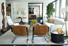 New York-based interior designer, David Scott.  Contemporary NY apartment