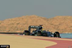 Hamilton im Mercedes. Tag 3 in Bahrain.