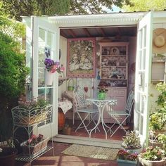 Pin for Later: He Shed, She Shed — All the Things You Can Do With Backyard She. - Pin for Later: He Shed, She Shed — All the Things You Can Do With Backyard Sheds She sheds can b - Backyard Sheds, Backyard Retreat, Outdoor Sheds, Backyard Bar, He Shed She Shed, She Sheds, Corner Deco, Pallet Shed Plans, Summer House Interiors