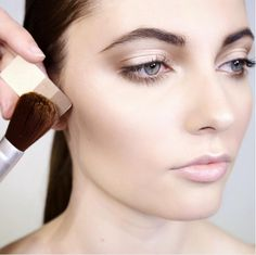 Subtly highlight and contour with the Gobi Sands Petal Essence Eye Color Trio. Global Artistic Director of Aveda Makeup Janell Geason uses Illumination single eye color as a highlighting shade on cheekbones, Cupid's bow and down the nose, as well as in the inner eye corner.
