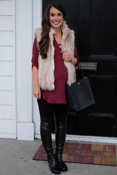 Maternity fashion boots Maternity Look. Stuart Weitzman 5050 over the knee boots. Vest Outfits, Mom Outfits, Summer Outfits, Casual Outfits, Family Outfits, Vacation Outfits, Pregnancy Looks, Pregnancy Outfits, Pregnancy Dress