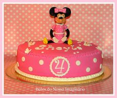 BOLOS DO NOSSO IMAGINÁRIO: Bolo Decorado de Aniversário Minnie