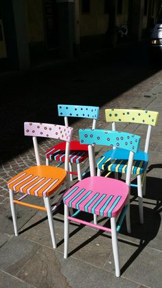 #emenricomarcato #enricomarcato#sedie Hand Painted Chairs, Whimsical Painted Furniture, Bohemian Furniture, Hand Painted Furniture, Funky Furniture, Recycled Furniture, Colorful Furniture, Paint Furniture, Chair Makeover