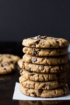 Oil Free Peanut Butter Chocolate Chip Cookies made with just 7 simple ingredients in 20 minutes or less! These cookies have a good amount of crispiness around the edges, but are soft inside. They aren't as 'dense' as other peanut butter cookies, thanks to a secret ingredient! ThesePeanut Butter Chocolate Chip Cookies are oil free! That's right, no butter, vegan butter, canola oil or anything like it. There is a lot of peanut butter, so these cookies are by no means low fat, b...
