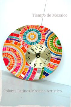 """Reloj: """" Tiempo de mosaico"""" realizado con venecitas, espejos y teselas…"""