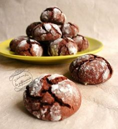 Crinkles: soft chocolate cupcakes - divers petits biscuits - Healt and fitness Desserts With Biscuits, Köstliche Desserts, Chocolate Desserts, Delicious Desserts, Biscuit Cupcakes, Biscuit Cookies, No Sugar Foods, Love Food, Sweet Recipes