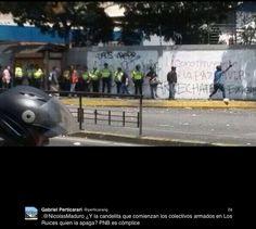 """Miembros de los colectivos  amparados por la Policía Nacional Bolivariana atacan a ciudadanos, luego que el presidente Maduro les diera la orden en cadena nacional  """"candelita que se prenda, candelita que se apaga"""""""