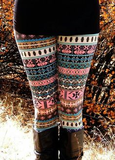 I would die for these leggings! SO CUTE!
