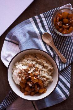 Porridge with mango-chili compote | vegan