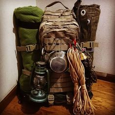 Bushcraft camping for a weekend or for weeks? By keeping your Bushcraft camp .Bushcraft camping for a weekend or for weeks? By keeping your Bushcraft camp . Bushcraft camping for a weekend or for weeks? Bushcraft Backpack, Bushcraft Skills, Survival Backpack, Bushcraft Camping, Camping Survival, Outdoor Survival, Camping Hacks, Backpack Camping, Travel Backpack