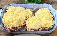 Šťavnaté kura, zapečené so zemiakmi, paradajkou, majonézou a syrom Vegetarian Recipes, Cooking Recipes, Healthy Recipes, Hungarian Recipes, Pork Dishes, Easy Chicken Recipes, Food Design, Diy Food, Food Photo