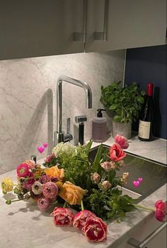 My Flower, Beautiful Flowers, Colorfull Wallpaper, Bloom, Flower Aesthetic, Aesthetic Pictures, Planting Flowers, Flower Arrangements, Table Decorations