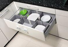 Idei geniale de depozitare si organizare in bucatarie   Casa Index Kitchen Design Open, Washing Machine, Home Appliances, Furniture, House Appliances, Appliances