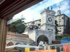 PIAZZA LIBERTA' RIFLESSA IN VETRINA. #UDINE #FOTOGRAFIA #FVG #FRIULIVENEZIAGIULIA #FRIULI #ARTE #IMMAGINI #CULTURA #curiosità #città #ITALIA