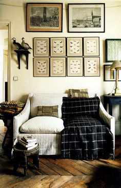 Love the mix of patterns that a cozy throw adds.