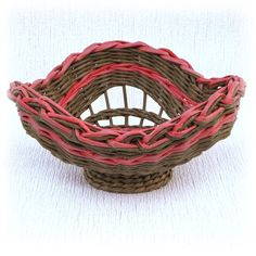 Необычная корзина для фруктов коричневая от WeavingAndVintage