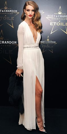 Huntington Whiteley Took The Plunge At Moet Chandon Etoile Award Gala In A Long Sleeve Gown Accented With Fur Stole Black Clutch Chopard Diamonds