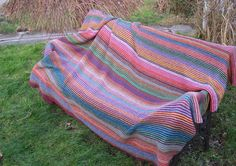 Dottelot: Blanket from Arne og Carlo's book Håndarbejde i Haven