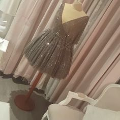 المصممة نجوي الفصلي وللتواصل مع المصممة نجوي الفضلي ٠٠٩٦٥٦٦٤٤٣٣٤٩ شرايكم بالقصه# Light Peach, Prom Dresses, Formal Dresses, Instagram Posts, Fashion, Dresses For Formal, Moda, Formal Gowns, Fashion Styles